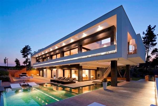 В каких странах богатые люди покупают недвижимость